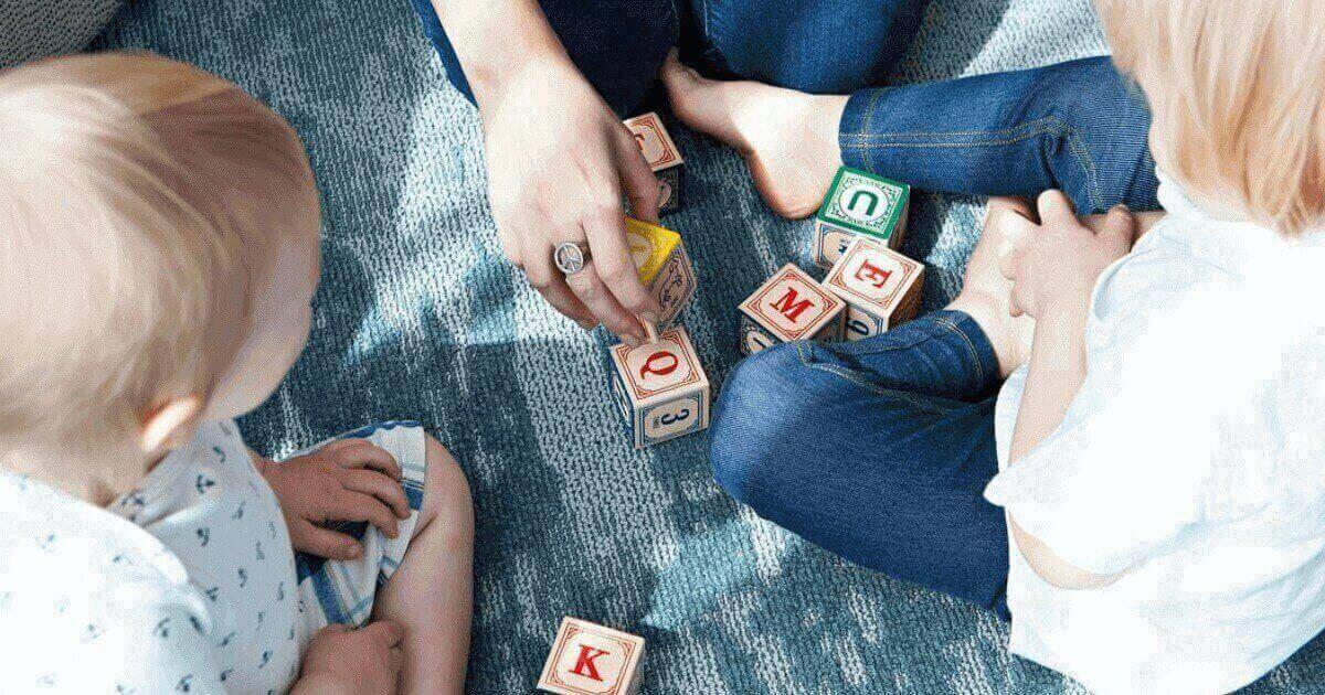 英会話を独学する正しい順番:子どもと大人の違い